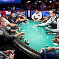 det är roligt att spela poker på internet